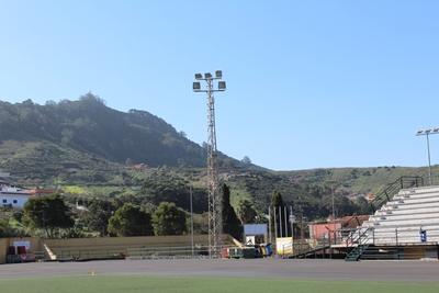 mejora la iluminación del campo de fútbol| infotegueste